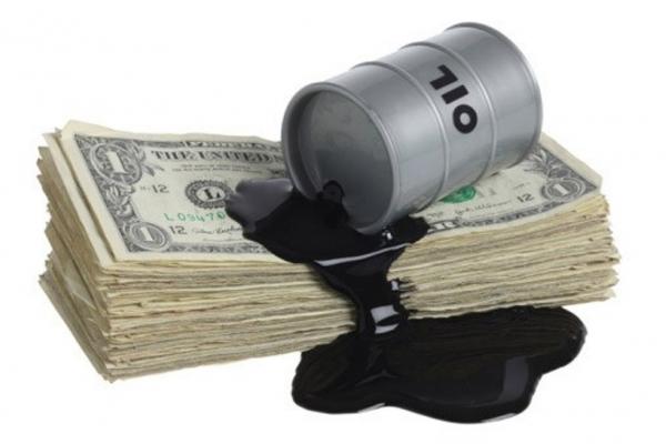 Почему нефть дешевеет, а доллар растет