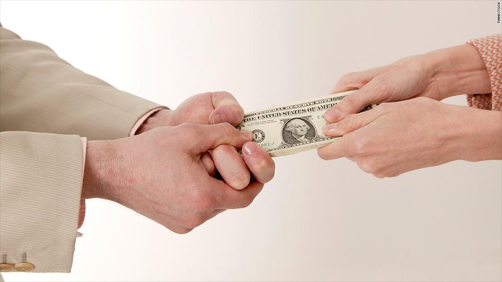 кто платит ипотеку в долларах может, никакой