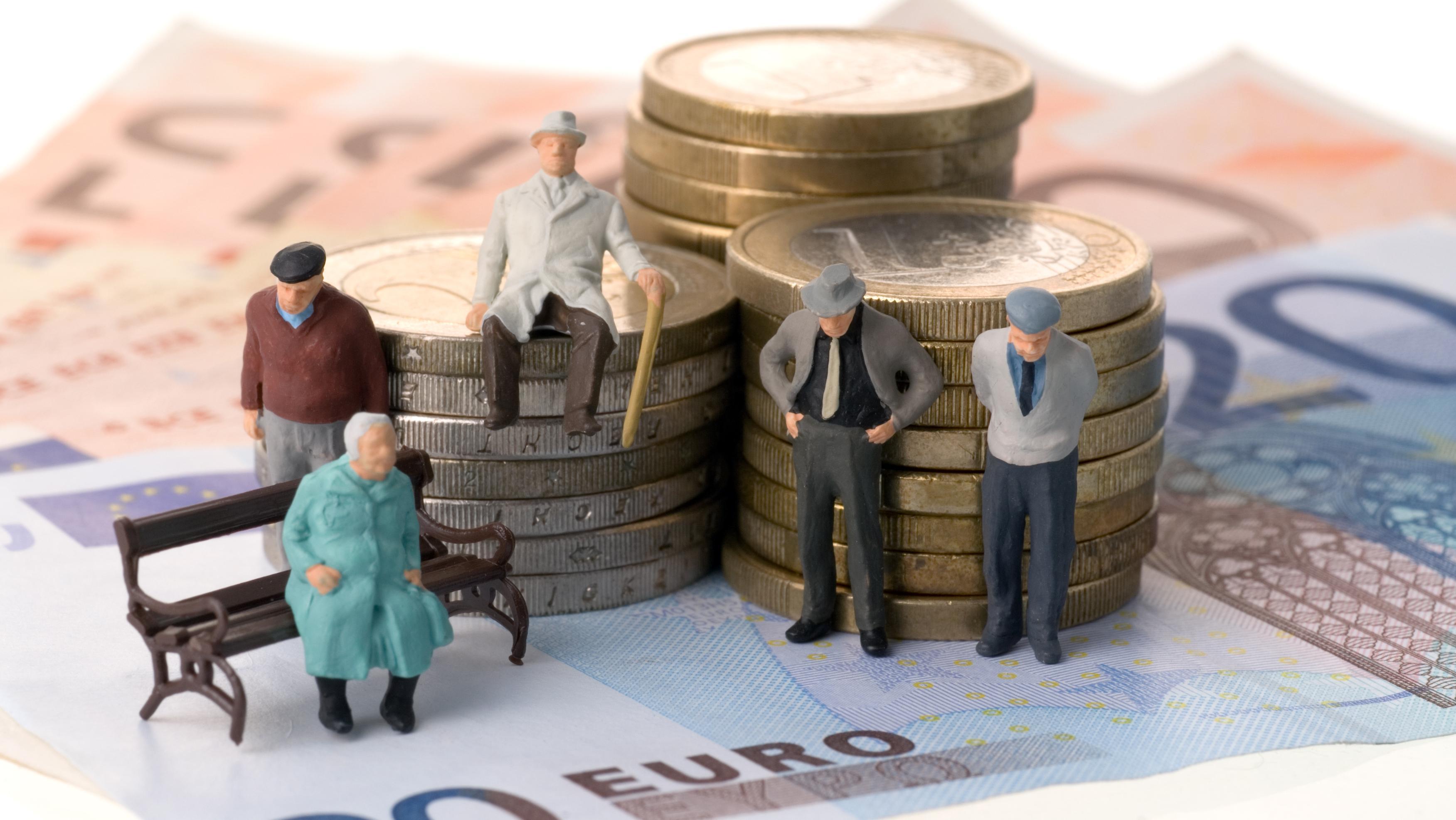 Путин поднял вопрос о закреплении норм индексации пенсии в Конституции
