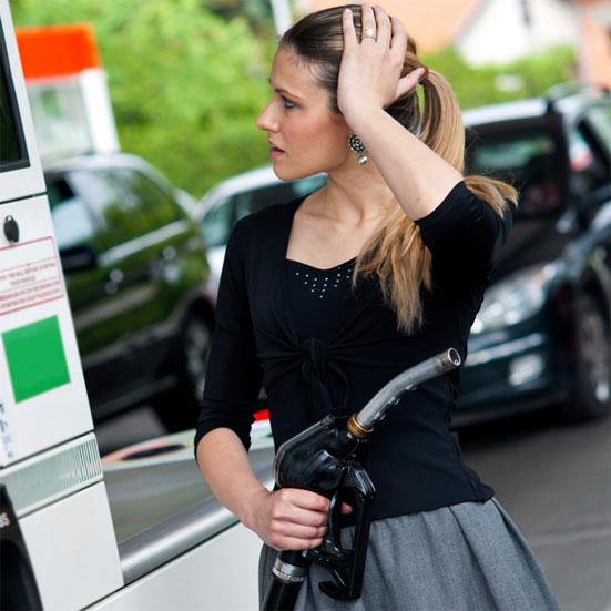 Почему растут цены на бензин в России?