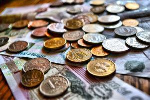 Положена ли доплата за стаж ветерану труда к его пенсии