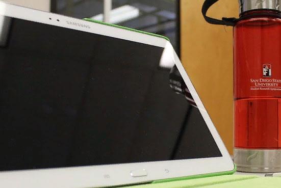 Электронные трудовые книжки начнут вводить с 1 января 2020 года